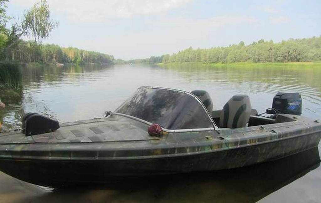 Моторная лодка Вега