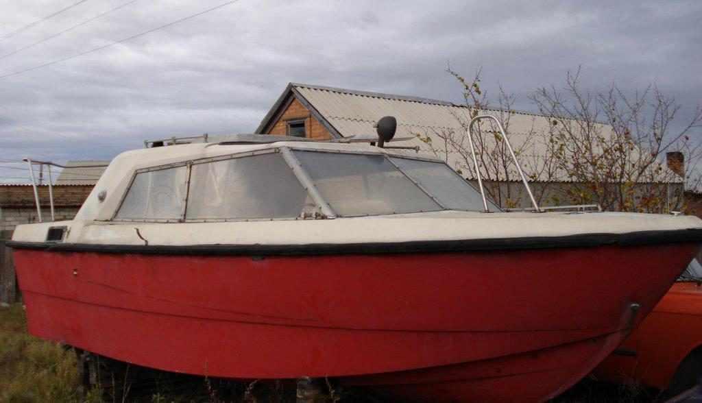 Лодки оснащалась мотором М8 ЧСПУ-100-1