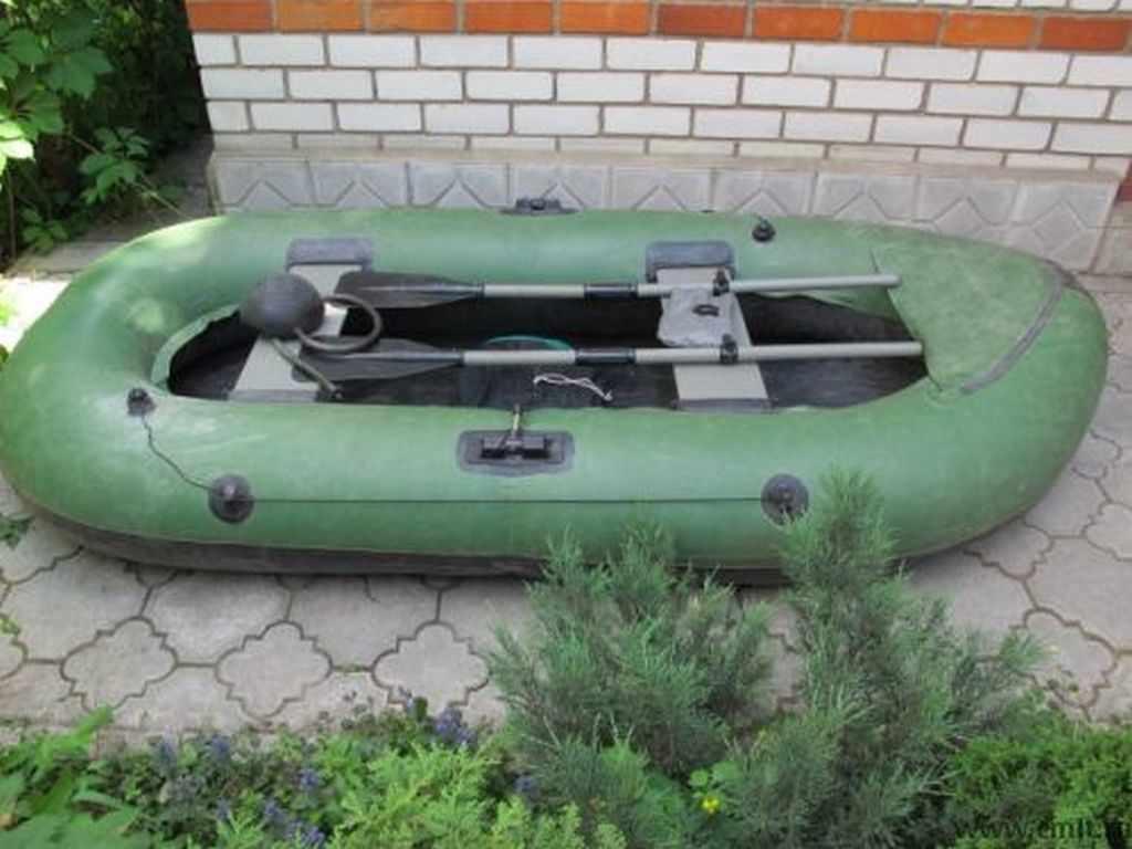 Лодка Вега 2