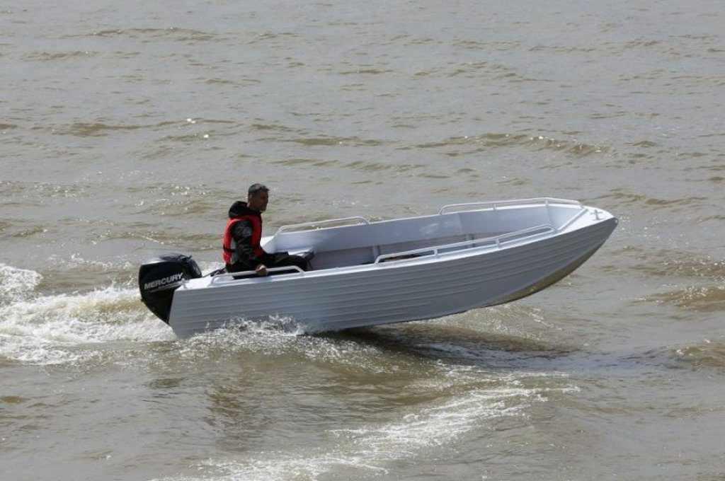 Лодка Trident 450