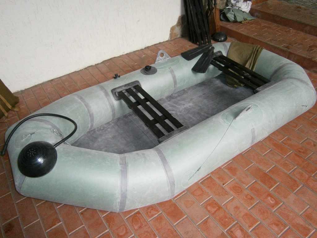 Надувная резиновая лодка Язь, двухместная