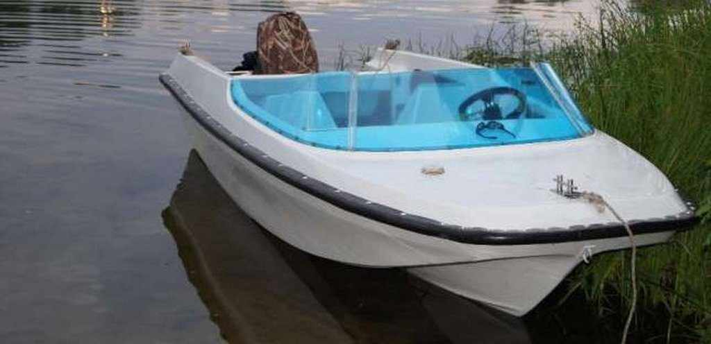 Моторная лодка Гамма