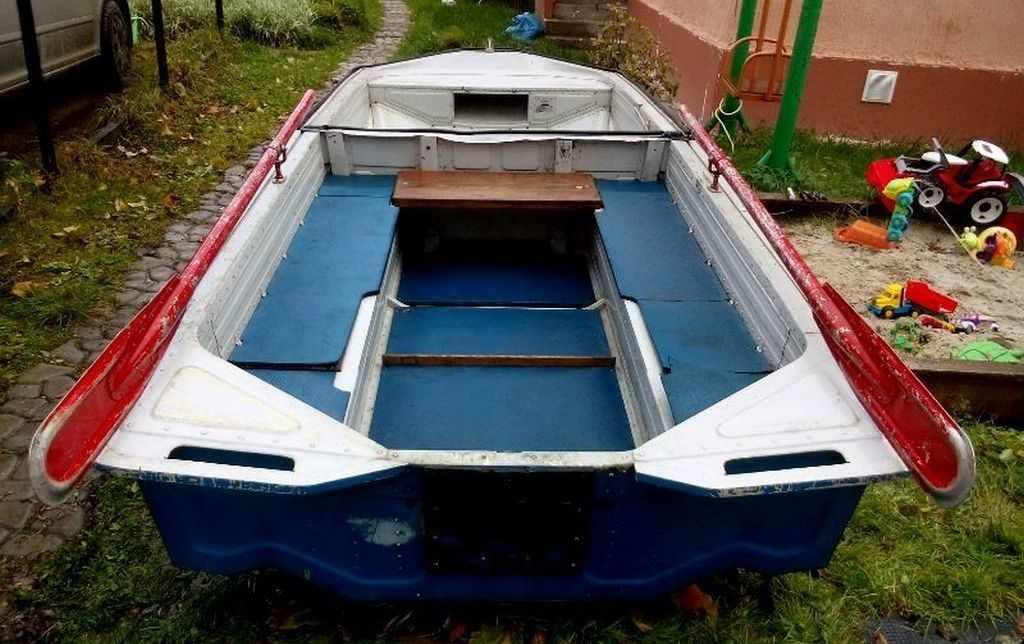 Небольшая складная лодка