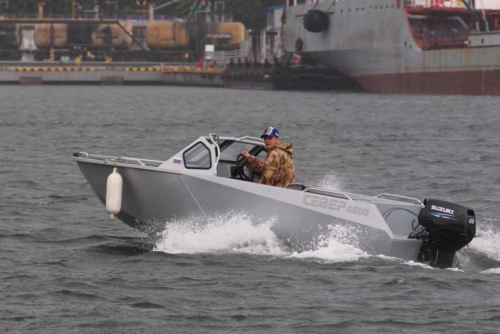 Моторная лодка Север 4800