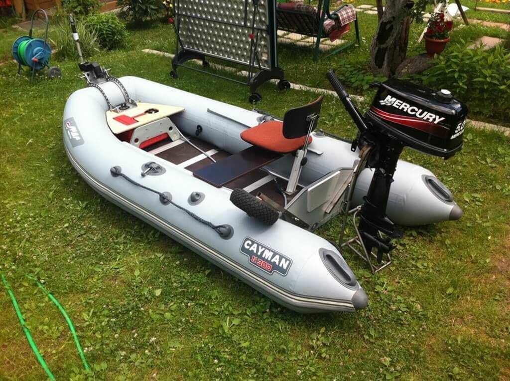 Лодка ПВХ «Кайман 300» с мотором