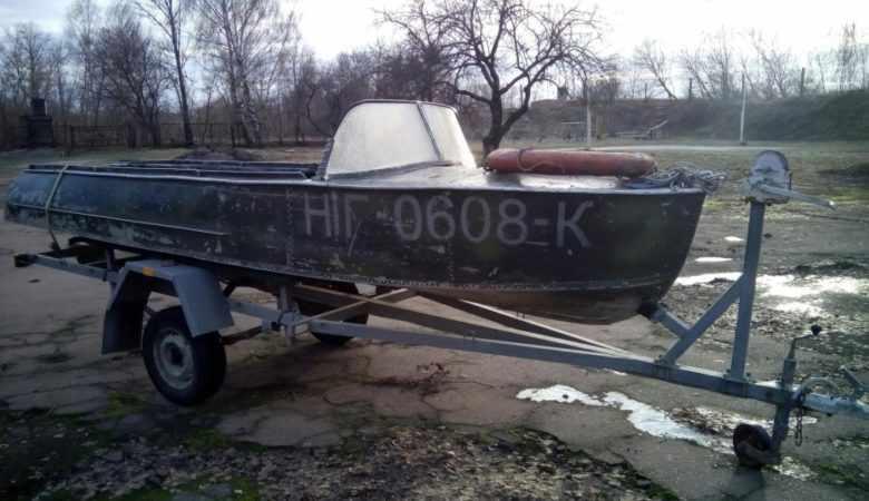 Лодка Казанка на лодочном прицепе