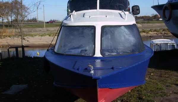 Лодка Обь 4