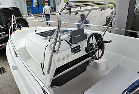 Лодка с компоновкой Walkaround