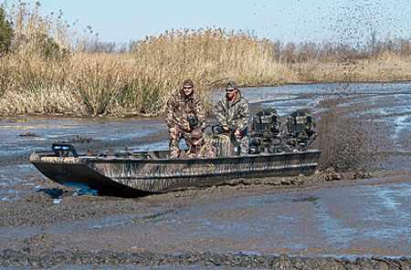 Плоскодонная лодка для охоты