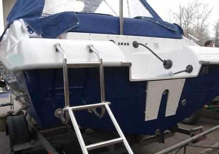 Кормовая часть лодки «SAVA EGO 555»