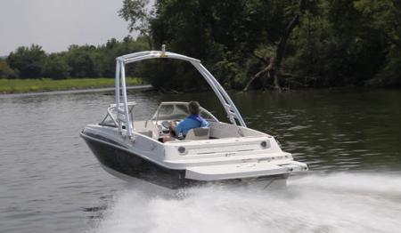 Лодка Bayliner 175