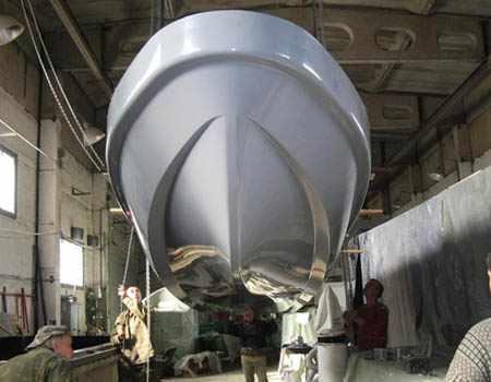 Снятие первого корпуса лодки Камчатка из формы