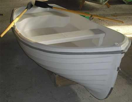 Компоновка лодки «Спрей 330»