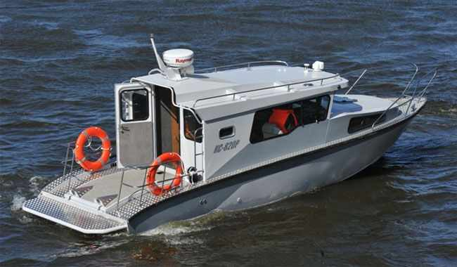Модификация катера «КС-820 Р» с рубкой