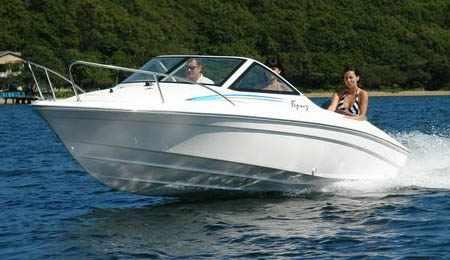 Лодка Бриз-18