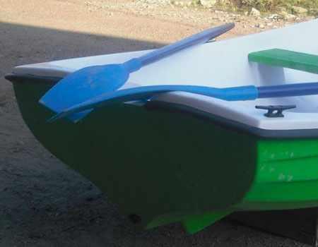 Корма лодки «Спрей 330»