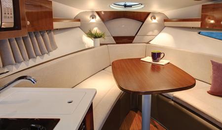 Каюта катера «Four Winns V275 Vista»