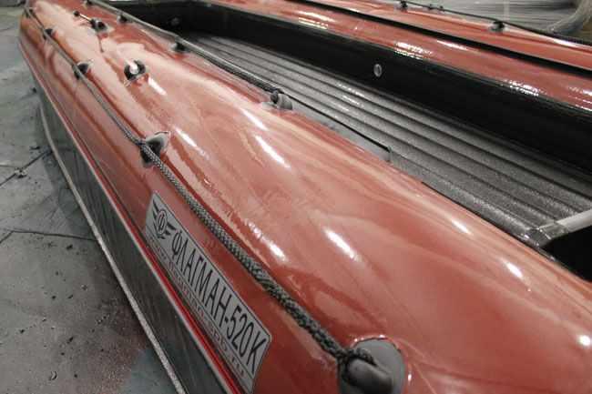 Леерное ограждение на надувном катамаране «Флагман 520»