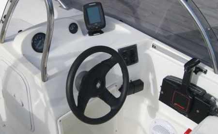 Пост управления лодкой Стрингер 480