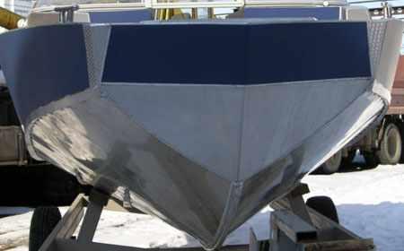Нос и днище лодки «Vortex 570»