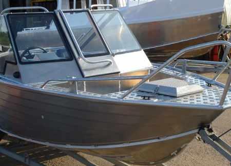 Носовая часть лодки «Уралъ 485»
