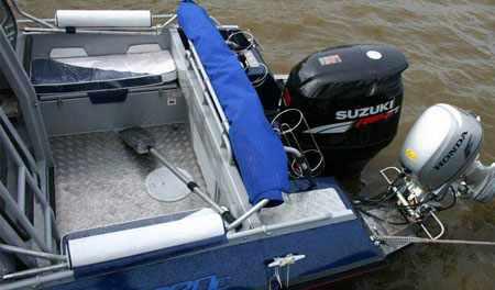 Кормовая зона каютной модификации лодки