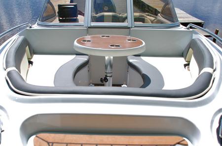 Лодка «Гризли 580 DC»