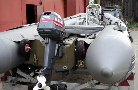 Надувная лодка «Титан TN-460» с постом управления