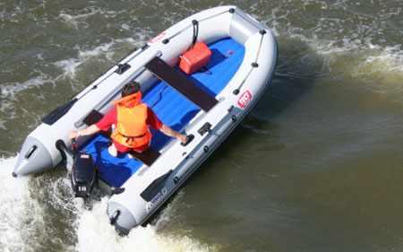 Надувная лодка «КомпАс-380» («CompAs-380») на циркуляции