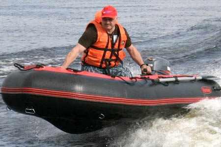 Надувная ПВХ лодка «Командор 380»