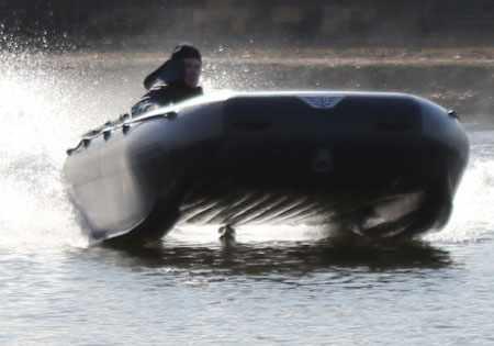 Лодка «Флагман 420 К» на воде
