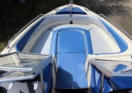 Носовой кокпит лодки Pragmatic Sprinter Star 610