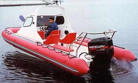 Кокпит лодки «Стрингер 550Р»