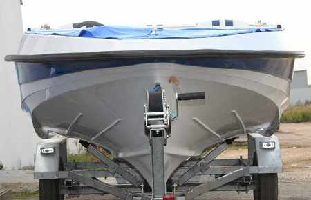 Днище и форштевень лодки «UKSI Agitator»