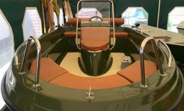 Компоновка кокпита лодки «SAVA 475»