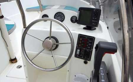 Консоли на лодке Стрингер 510