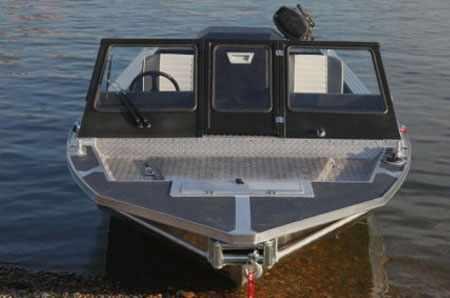 Носовая палуба катера «Ка-Хем 665»