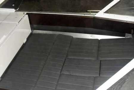 Спальное место на катере Томь 455