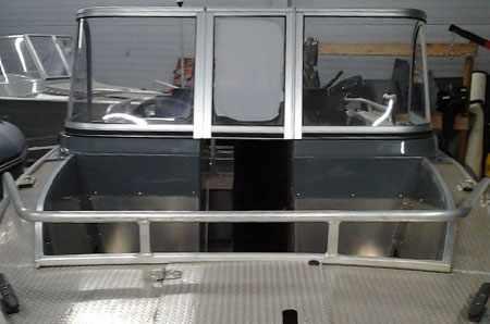 Остекление лодки «Windboat 48 DC»