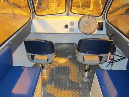 Каюта лодки «Barents 600 С»