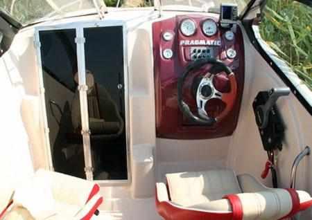 Задняя стенка каюты лодки Pragmatic Sprinter Box 610