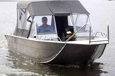 Первый выпуск моторной лодки «Рекорд 500»