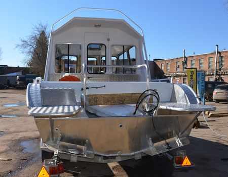 Корма лодки «Рекорд 700»