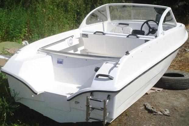 Корма лодки «Афалина 460»