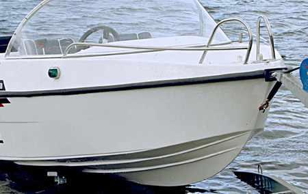 Корпус моторной лодки «Laker V 450»