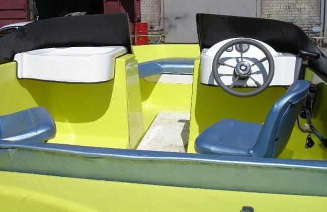 Компоновка кокпита лодки «Арктур 530»