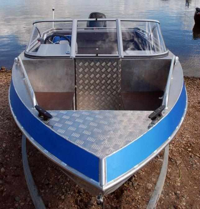Носовая часть лодки «Самара 500 Fish»