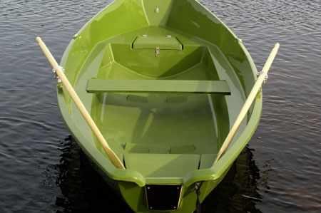 Кокпит лодки «Стрингер 500 Форель»