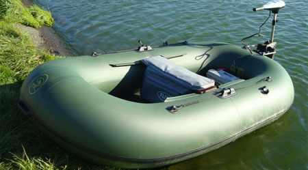 Лодка «BoatMaster 250 Эгоист» на воде