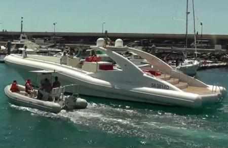 Самая большая лодка с надувными бортами